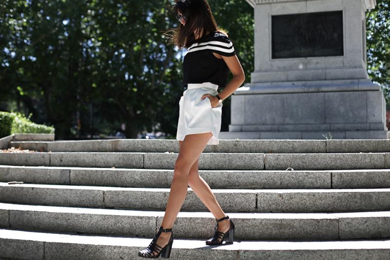 white-shorts-006