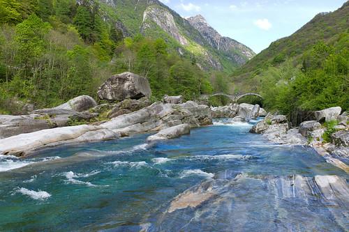 bridge water river landscape schweiz switzerland tessin ticino europe suisse hiking ponte svizzera brücke fluss wanderung m9 2014 svizra verzasca greatphotographers summiluxm valleverzasca 35mmf14asph lavertezzo verzascatal pontedeisalti 35lux ©toniv 140503 leicam9 oviga lavertezzopaese l1016037 lavertezzolocarno