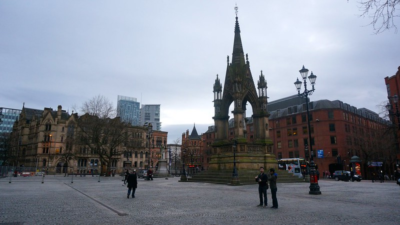 Manchester: Piccadilly Garden, Town Hall & Chinatown