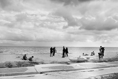 sky people blackandwhite beach weather clouds greece ελλάδα άνθρωποι σύννεφα blackwhitephotos neamakri ουρανόσ καιρόσ νέαμάκρη μαυρόασπρεσ