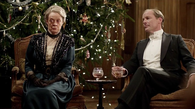 DowntonAbbeyS02E09_VioletCarlyle_xmascharades