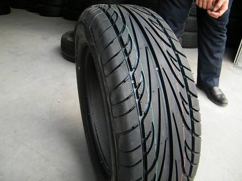 Open_Arc_Design_Light_Truck_Tyre_Car