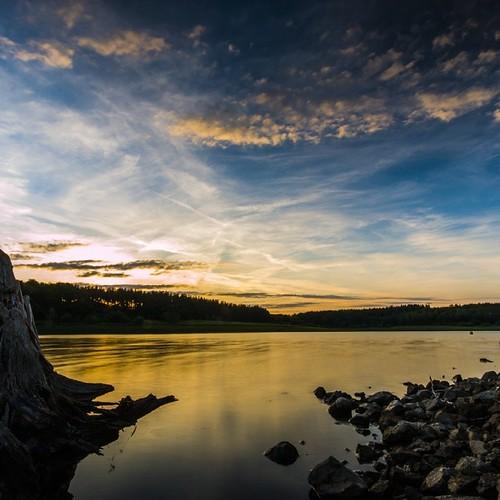 #sun #sunshine #sunset #sunrise #sonnenuntergang #sonne #water #spiegelung #wasser #wurzel #clouds #wolken #heaven #himmel #nice #fun #eos #70d #Spiegelreflexkamera #spiegelreflex #farben #love #chilln @zeulenroda_triebes #zeulenroda #talsperre