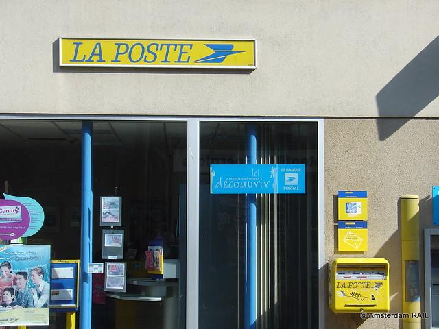 La poste bureau de poste avec ancien sigle flickr photo sharing for Bureau la poste