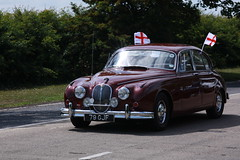 executive car(0.0), sports car(0.0), automobile(1.0), daimler 250(1.0), jaguar mark 2(1.0), vehicle(1.0), automotive design(1.0), mid-size car(1.0), jaguar mark 1(1.0), mitsuoka viewt(1.0), antique car(1.0), sedan(1.0), classic car(1.0), vintage car(1.0), land vehicle(1.0), luxury vehicle(1.0), motor vehicle(1.0), jaguar s-type(1.0),