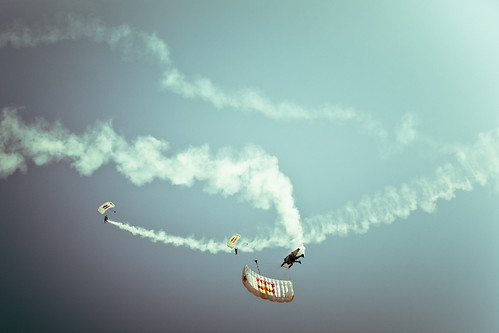 OC needs to put titles in the flickr account - OC Airshow- Redbull team's skydivers