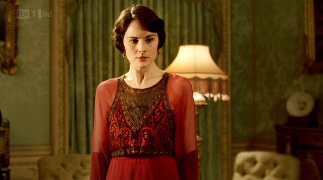 DowntonAbbey_Mary_redgown_embroideredcenter