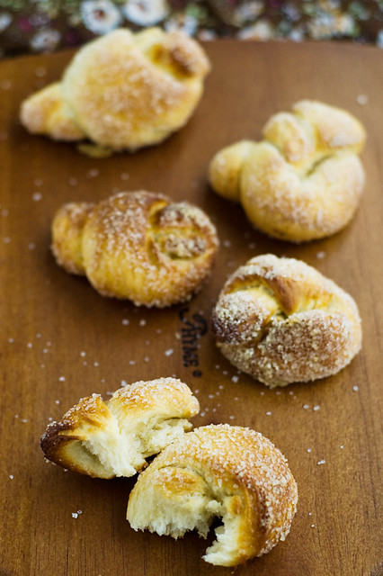 knot cookies