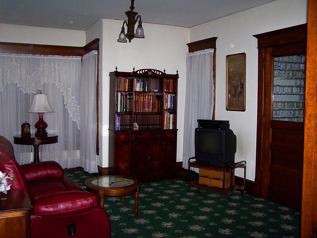 2nd living room