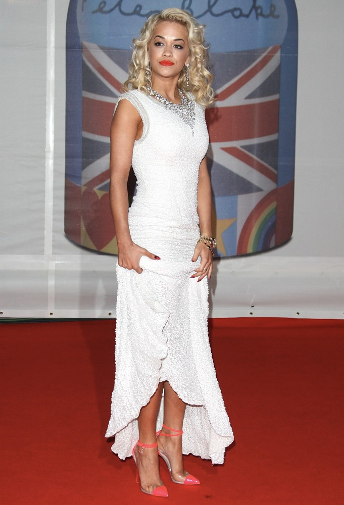 rita-ora-brit-awards-2012-02