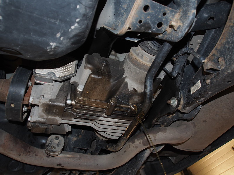 Oil Drain And Oil Caddy Mail: VW Tiguan 2009 Changing Haldex,Differential