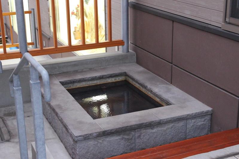 男鹿温泉交流会館の足湯