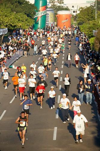 Kenianos mantienen supremacía en el Maratón Pacífico 2012