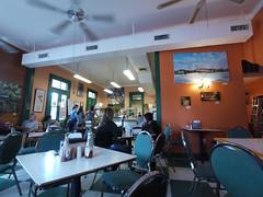 土, 2010-12-04 13:03 - New Orleans Cake Cafe & Bakery