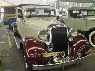 1933 Plymouth PC cabriolet coupe