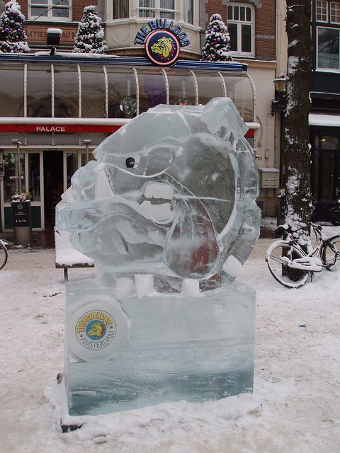 201012190079_Amsterdam-ice-sculpture