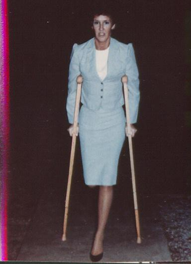 Sak Amputee Women On Crutches Images-3134
