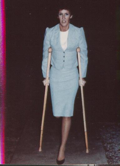 Sak Amputee Women On Crutches Images-3134
