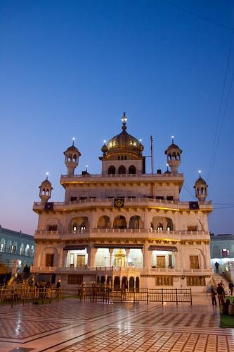 sunset sky india water night canon temple golden evening dusk miri clear sahib gurdwara punjab amritsar gurudwara piri harmandir darbar 50d akal takht tamronspaf1750mmf28xrdiiildasphericalif canoneos50d