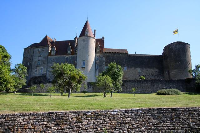 Châteauneuf-en-Auxois / Le château médiéval