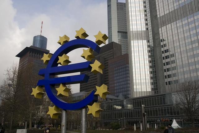 Еврозона движется к созданию общего надзора за банками