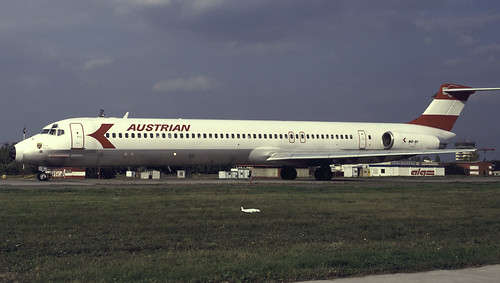 OE-LDS - later sold to Spirit Airlines & then scrapped in 2006
