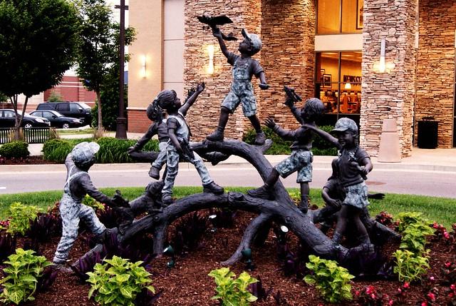 187: Children statue