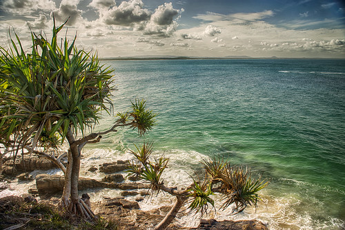 the colours of summer - postcard from Noosa (Explore, 24/04/2014)
