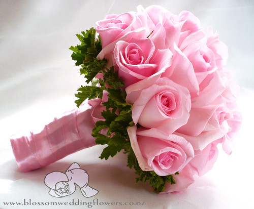 pink-rose-geranium-bouquet