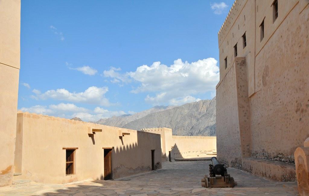 oman: fort nakhal - 21