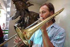 violinist(0.0), string instrument(0.0), tuba(0.0), trumpet(0.0), trombone(1.0), brass instrument(1.0), wind instrument(1.0),