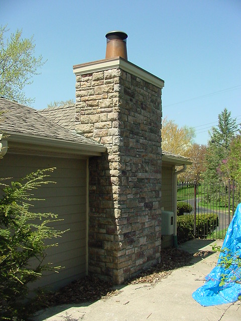 Bloomfield Construction - Cultured Stone Chimney