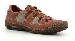 textile(0.0), maroon(0.0), walking shoe(1.0), outdoor shoe(1.0), brown(1.0), footwear(1.0), shoe(1.0), leather(1.0), beige(1.0), tan(1.0), athletic shoe(1.0), suede(1.0),