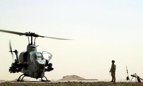 [フリー画像素材] 戦争, 軍用機, ヘリコプター, AH-1 スーパーコブラ, アメリカ軍 ID:201211250000