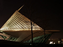 Milwaukee Art Museum at Night