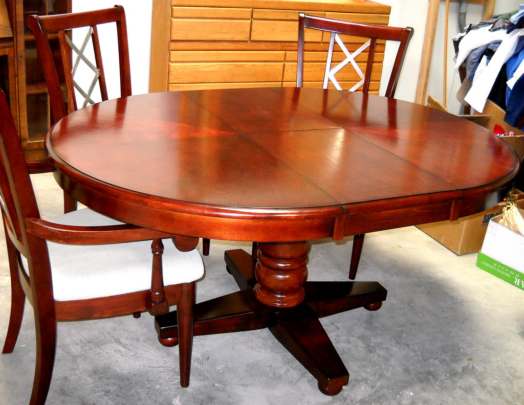 ROUND PEDASTAL DINING TABLE ROUND PEDASTAL 8 SEAT DINING ROOM