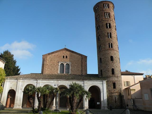 Basilica di Sant'Apollinare Nuovo, Ravenna | The 6th century ...