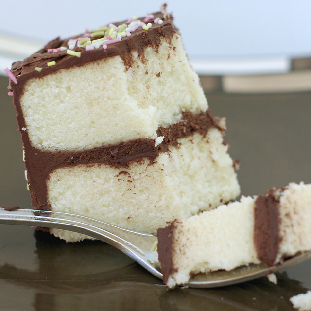 Images Of Chocolate Cake With White Frosting : White cake with chocolate buttercream frosting Flickr ...