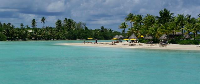 Four Seasons Resort Bora Bora Beach