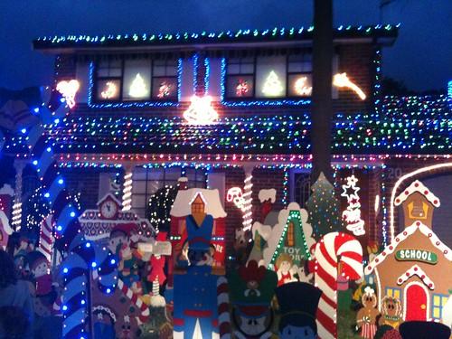 5291006105 a32e63ac3d crazy christmas houses