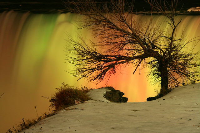 Niagara @ night this Winter !