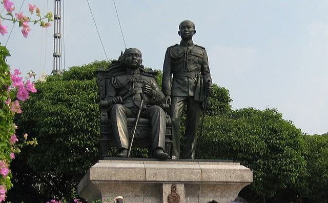 King Rama V and VI, founders of Chula  Statue of King ...