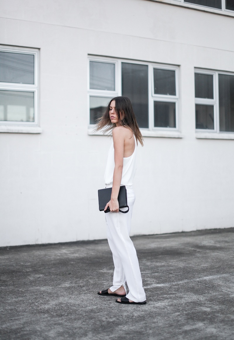 modern legacy blog Camilla Marc Zoya Cami all white Nicholas foldover ankle zip pants slide sandals pool Alexander Wang Prisma Envelope crossbody bag outfit street style blogger Australia (3 of 9)