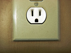 electronic device(0.0), number(0.0), ac power plugs and socket-outlets(1.0),