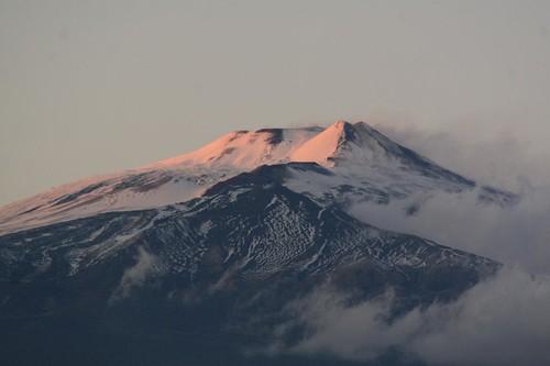 Sciame sismico sull'Etna, scuole evacuate$