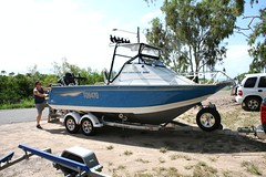 vehicle, skiff, boat trailer, bass boat, boating, motorboat, watercraft, boat,