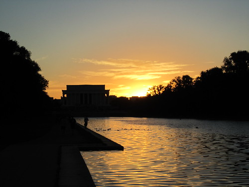Sunset over Lincoln Memorial and the Reflecting Pool in Washington, DC