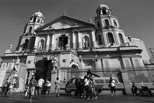 street travel vacation tourism church monochrome religious blackwhite tour basilica faith philippines religion streetphotography tourist spots manila photowalk placesofworship indios mateo filipinas pilipinas quiapo pinas destinations quiapochurch thehousekeeper plazamiranda flickristasindios georgemateo