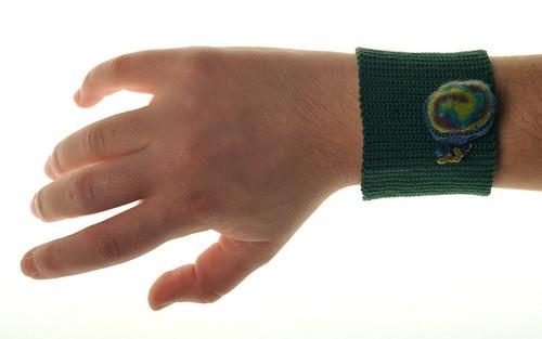 Ringing wristband