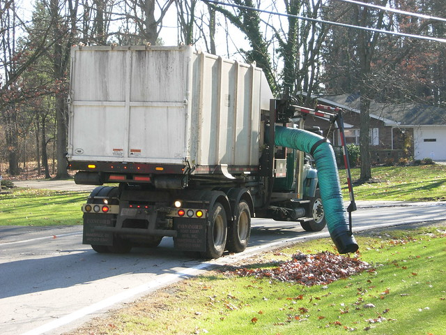 Leaf Vacuum Truck http://www.flickr.com/photos/40126553@N03/5226287463/